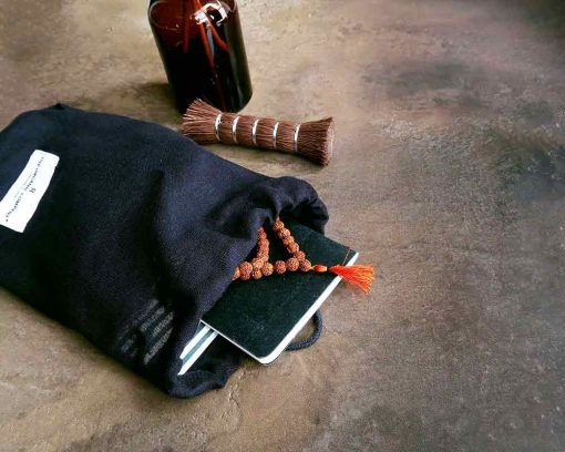 zero waste lifestyle with reusable cotton bag