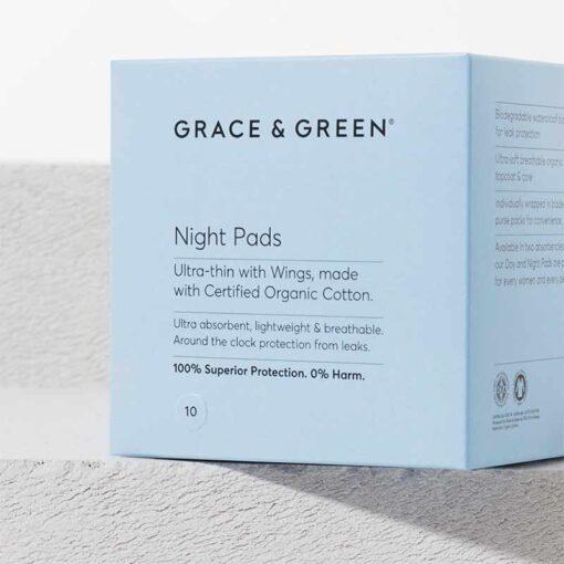 organic cotton period pads in blue box