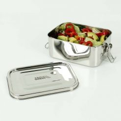 leak resistant lunch box with salad inside