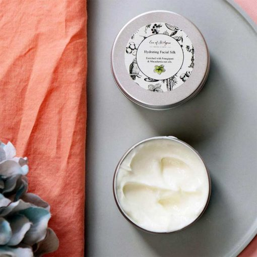 hydrating face cream with hyaluronic acid