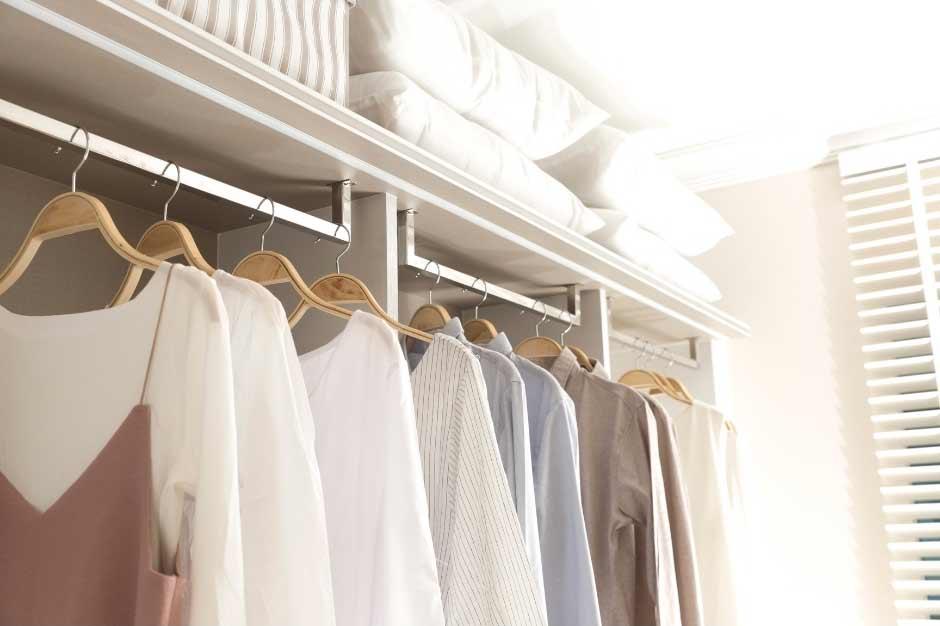 declutter clothes