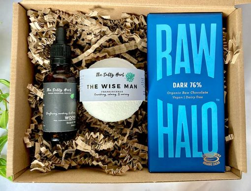mens christmas gift set with beard oil