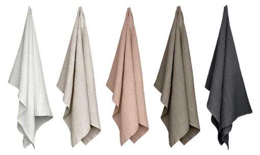 1029 BW TowelAndBlanket All
