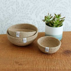 jute bowls on table