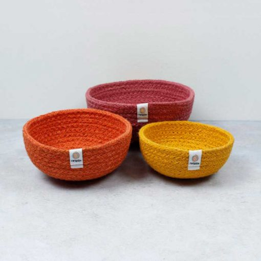 jute bowls in red