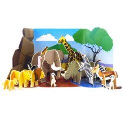 animals playset set in the Savannah desert