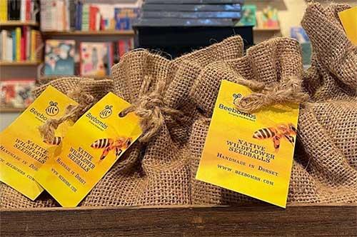 best eco friendly gifts in jute bag