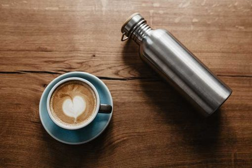 bambaw stainless steel water bottle on wooden table