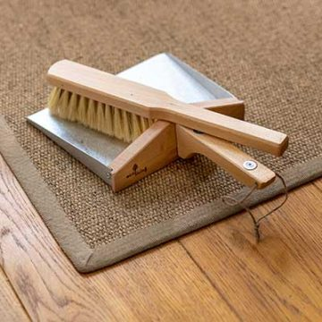eco living dustpan and brush set with magnets