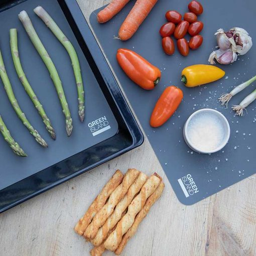 roasting veg with a reusable silicone baking mat